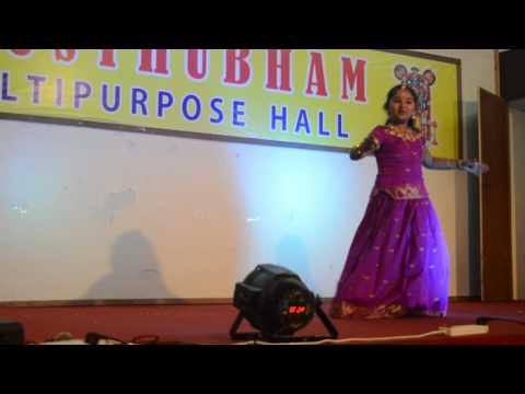 Kirtana's solo performance on Guruvayoor Ambala Nadayil....