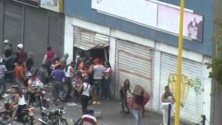 saqueo por tupamaros a supermercado en valera venezuela