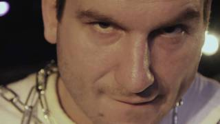 Bob Bissonnette - Y sont toutes folles (vidéoclip officiel)