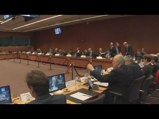 <span class='as_h2'><a href='https://webtv.eklogika.gr/plana-apo-ti-synedriasi-toy-eurogroup-20-2-2020' target='_blank' title='Πλάνα από τη συνεδρίαση του Εurogroup 20-2-2020'>Πλάνα από τη συνεδρίαση του Εurogroup 20-2-2020</a></span>