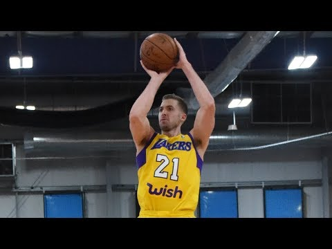 Travis Wear drains 7 3-pointers in Lakers