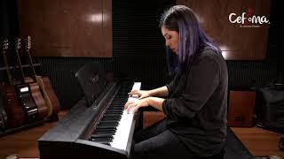 Ale Camps, profesora de piano.