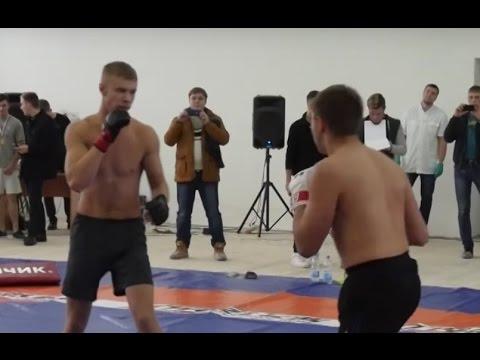 Бой двух крепких парней на Стрелке в Барнауле.
