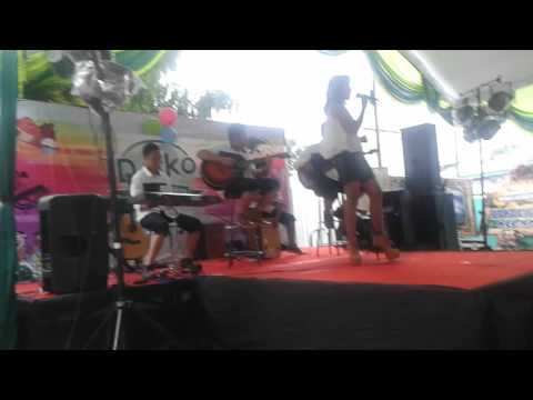 HEBOH...Sik Asik Ayu Ting-Ting  COVER  New AFFETO Ngw