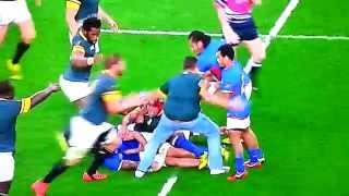 South African fan runs onto rugby pitch, Rugby World Cup 2015 (South Africa vs Samoa)