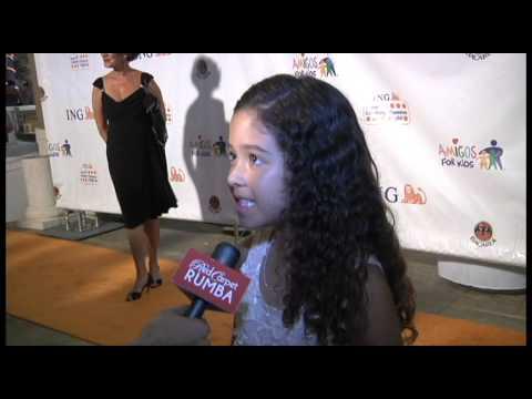 Nicole Arci en Amigos For Kids