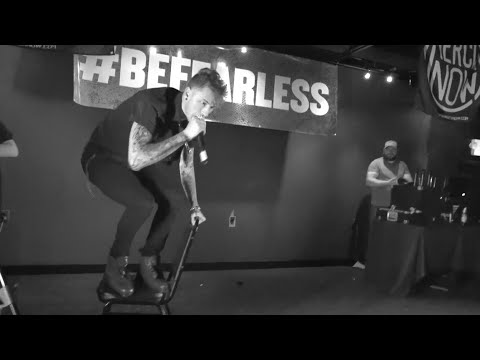 "APMAs 2016 Karaoke: MGK performs LIMP BIZKIT - ""BREAK STUFF"""