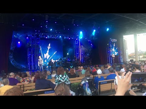 Disney on Broadway 2018 (Ashley Brown & Josh Strickland)