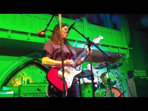 The Breeders - Fortunately Gone (Southgate House Revival 10/10/17 Newport, KY)