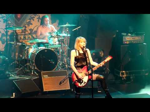 Hole/Courtney Love - Celebrity Skin @ Paris Bataclan 2010
