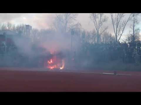 SG Wattenscheid 09 - VfL Bochum II Pyrotechnik und Platzsturm zum Einlaufen