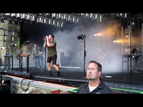 Nine Inch Nails - Home HD (Live at the Santa Barbara Bowl 5/21/09)