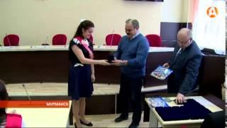 Лучшие выпускники Мурманска пришли на «последний» урок к мэру 25.05.2015