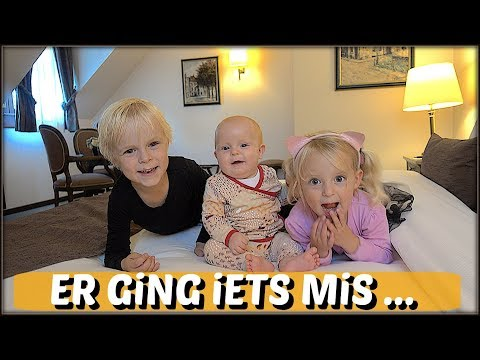 LOGEREN iN EEN KASTEEL? 👸 ( of toch niet😕) | Bellinga Familie Vloggers #1121