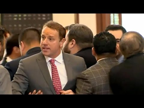 Texas lawmakers get into shoving match