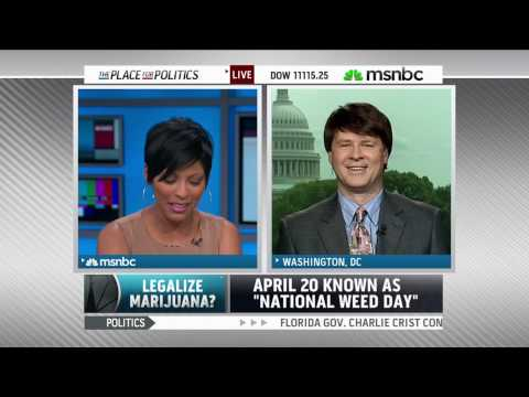 Watch MSNBC's Tamron Hall on How Domestic Violence Shattered Her Family von YouTube · Dauer:  6 Minuten 36 Sekunden