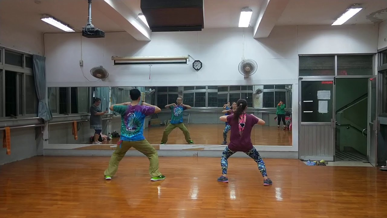 超累拉丁有氧舞蹈班1090212China Reggetaon 中國痛 - YouTube