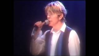 David Bowie - Stay live Köln 2002 (audio upgrade)