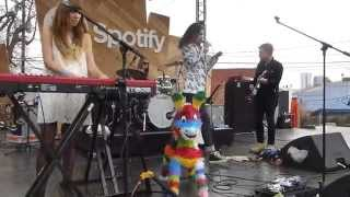 Play Bennie & The Jets (Live From SXSW 2015)