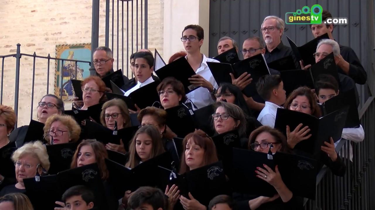 La mejor música sacra inundó este miércoles la Plaza de España de Gines