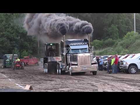V-8 Mack Hot Semi Street Truck Pulls Farmington Pa 6-30-17 V 8
