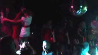 Cafe-club JOY танцы на барной стойке(via YouTube Capture., 2013-09-08T13:51:31.000Z)