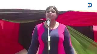 aisha-jumwa-sings-to-praise-dp-ruto-hakuna-wa-kufanana-na-ruto