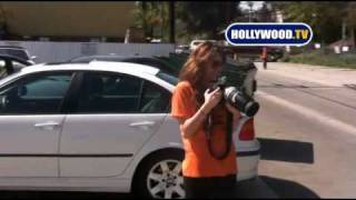 Miley Cyrus Drops A Paparazzo's iPhone