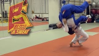 Грузинский бросок (гадаули). Дзюдо. Judo. Georgian Gadauli throw.(Предлагаем вашему вниманию разбор грузинского броска гадаули от пурпурного пояса по бразильскому джиу-джи..., 2015-09-15T18:56:43.000Z)