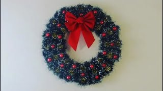 DIY: Christmas Wreath from Upcycled Egg Cartons