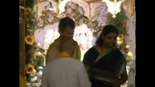 Krishna Pria sings Man Chakar Rakho Ji ISKCON Janmashtami 8 17 2014