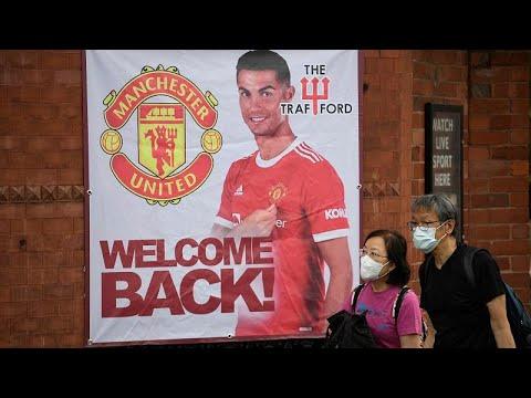 فيديو: عودة قوية واستقبال حافل لرونالدو في مانشستر يونايتد…  - 22:54-2021 / 9 / 11