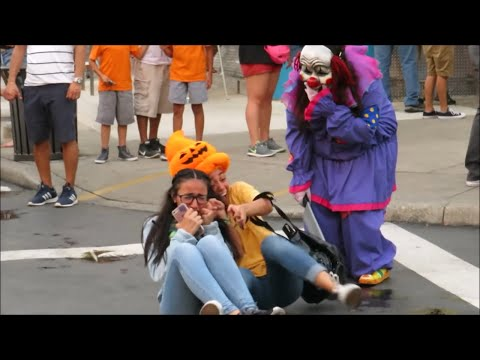 Scream Kings Queens Scare Zones Fright Fest 2018 Six Flags Fiesta Texas