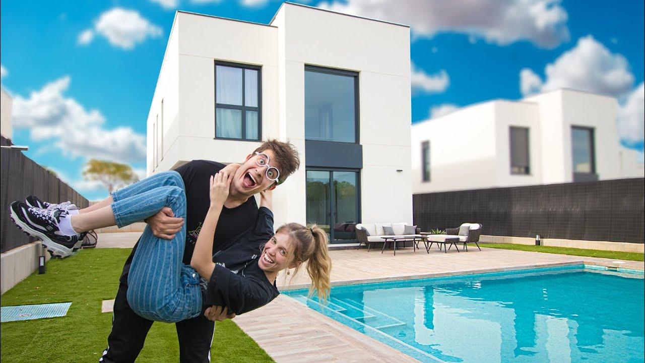 Me voy a vivir con mi NOVIA!! ¿Cómo es nuestra NUEVA CASA? - (HOUSE TOUR Tekendo y Laia Oli)