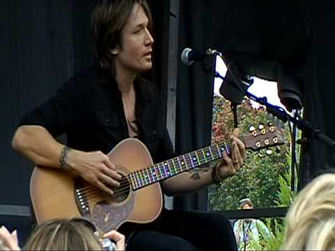 Keith Urban Live ~ 10-30-09 ~ Tonight I Wanna Cry.mpg