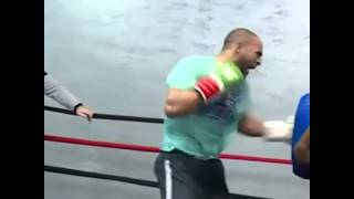 Badr Hari training for match Ismael Londt