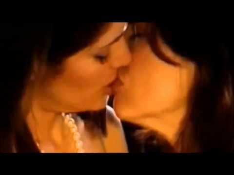 Salma Hayek  - Jeanne Tripplehorn - lesbian kiss -