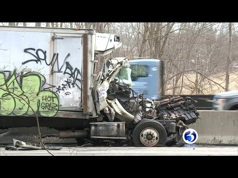 VIDEO: Person killed in crash on I-95 south in Old Saybrook - YouTube