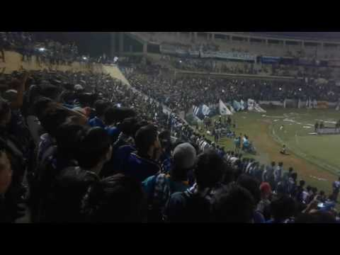 Panser Biru nyanyi saling saut sautan (Uji Coba PSIS vs Persijap 3 Juni 2017) di Jatidiri Semarang