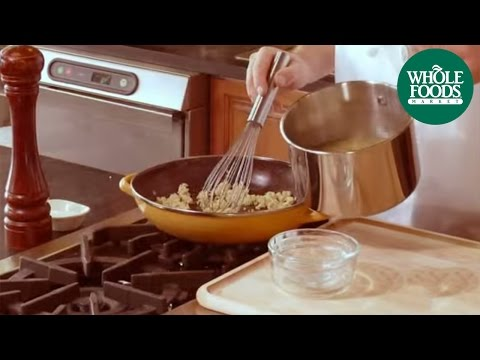 Four Steps to Perfect Gravy | Holiday | Whole Foods Market