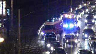 Ambulance de réanimation SMUR des marins pompiers de Marseille et VSAV