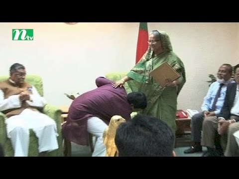 Comilla City mayor Sakku takes blessing from PM