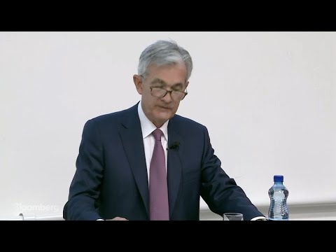 Powell Expects Moderate Economic Growth, Says Fed Will Act as Appropriate