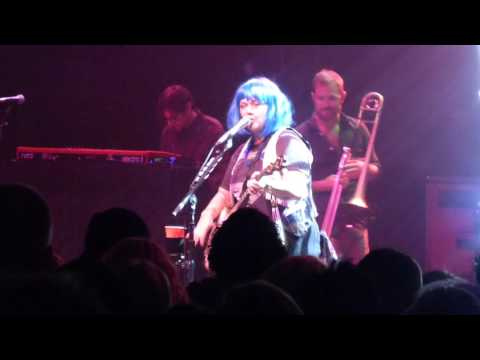 Elle King - Good For Nothin' Woman - Live at The Fillmore in Detroit, MI on 10-30-16