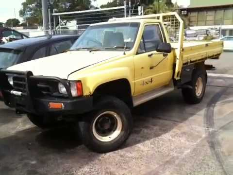 for sale on ebay toyota hilux 1985 ln65 4wd auto lpg with holden v6 vs eco tech engine youtube. Black Bedroom Furniture Sets. Home Design Ideas