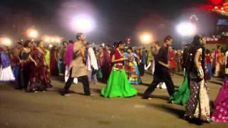 """MAA"" Aarkee Garba 2010 - Raat Rupe Madhine Ratan..."