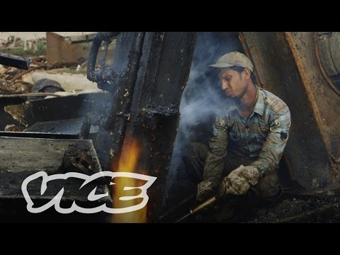 The Ship Breakers of Bangladesh: VICE INTL