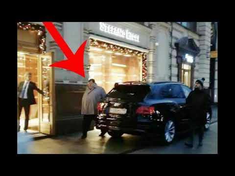 Человек, похожий на сына, генпрокурора  РФ, Артёма Чайка, нанес визит в бутик