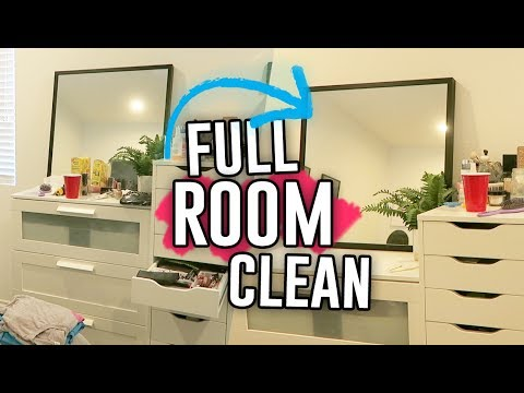 HOW I CLEAN MY BEDROOM AND BATHROOM!! // Jill Cimorelli