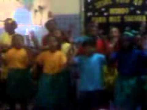 Crianças Diante do Trono 1 - Escola Municipal Joana Angélica
